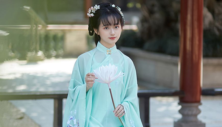 6 Different Types of Chinese Hanfu Collar – Do You Know Them All?