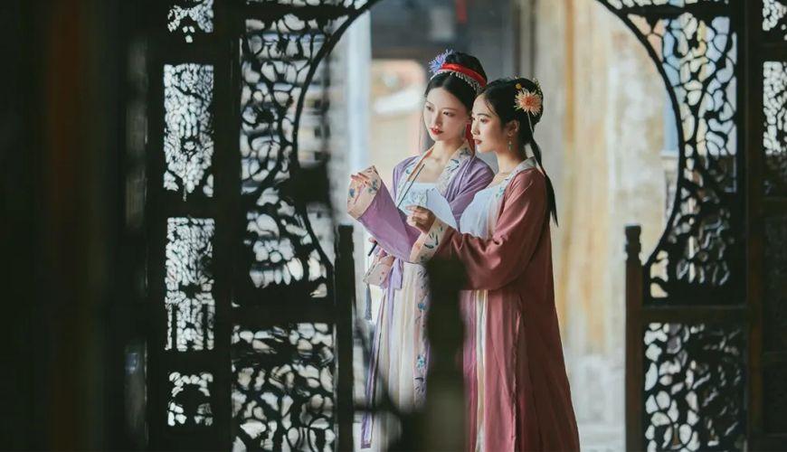 Hanfu Photography Of Girls In Song Dynasty | FashionHanfu Photography