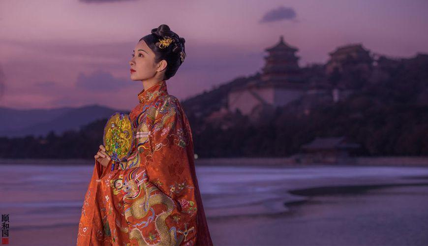 The Most Beautiful Hanfu In The Summer Palace | FashionHanfu Photography