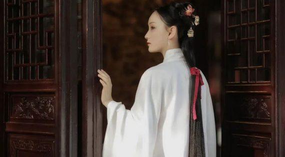 Beautiful Garden And Hanfu Girl | FashionHanfu Photography
